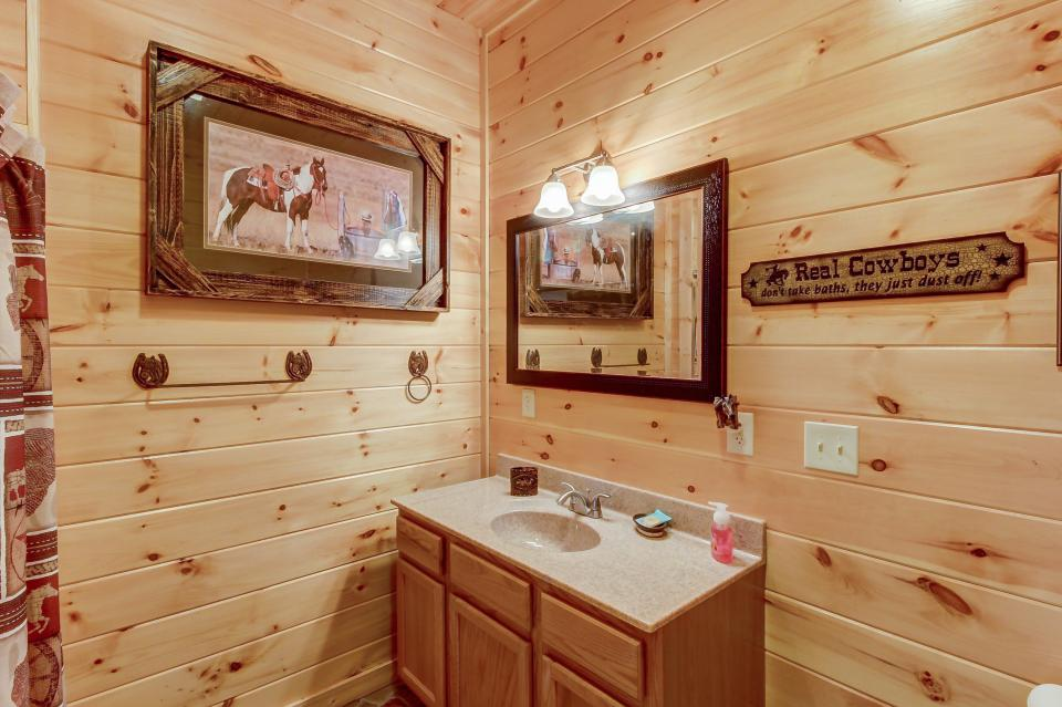 Giddy Up  - Sevierville Vacation Rental - Photo 31