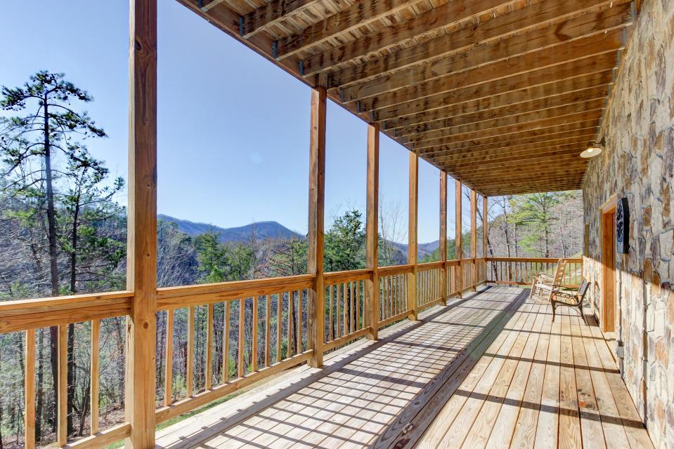 Giddy Up  - Sevierville Vacation Rental - Photo 35