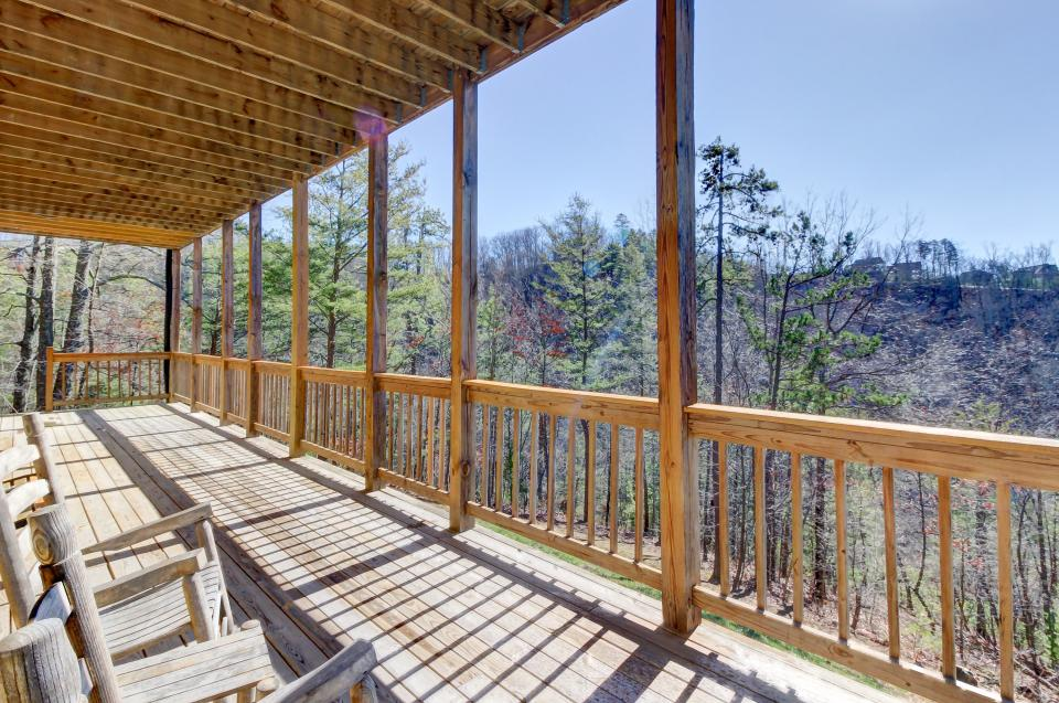 Giddy Up  - Sevierville Vacation Rental - Photo 36