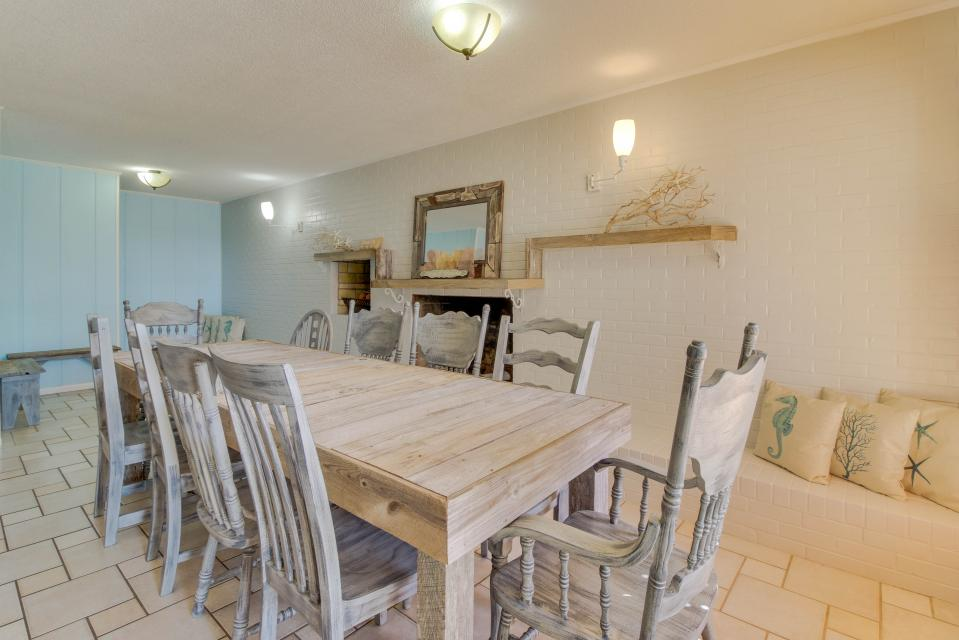 Sandy's Beach House - Panama City Beach Vacation Rental - Photo 5