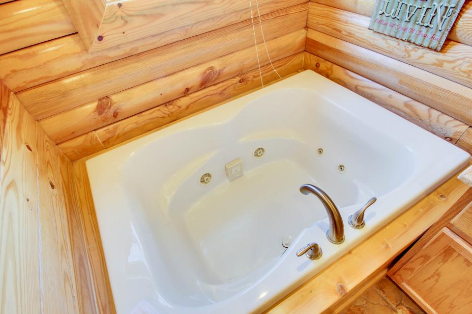 Giddy Up  - Sevierville Vacation Rental - Photo 19