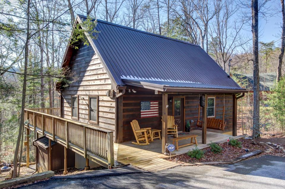 Two Bears  - Sevierville Vacation Rental - Photo 1