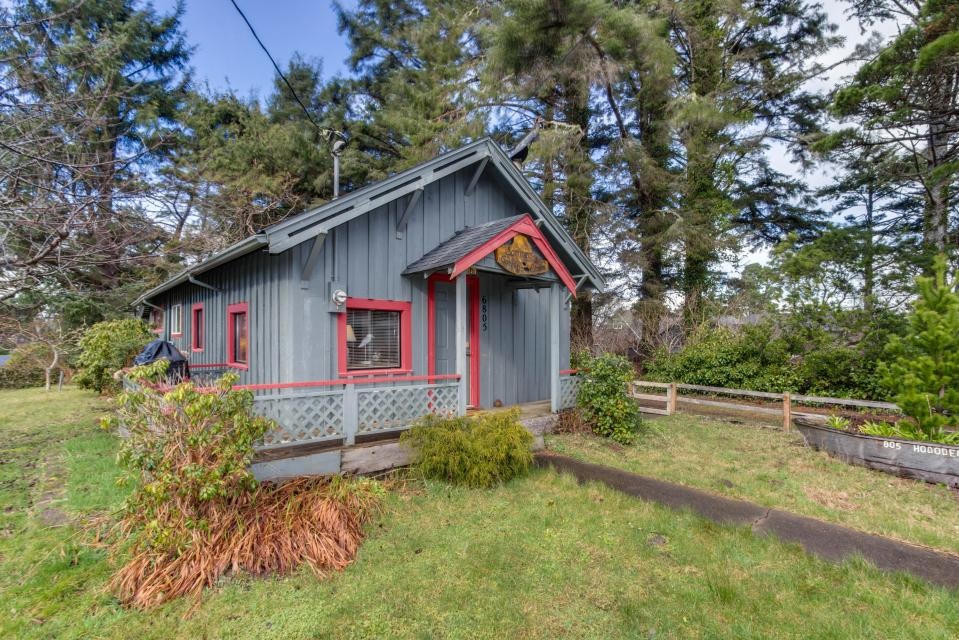 Sommers' Cabin - Gleneden Beach Vacation Rental - Photo 1