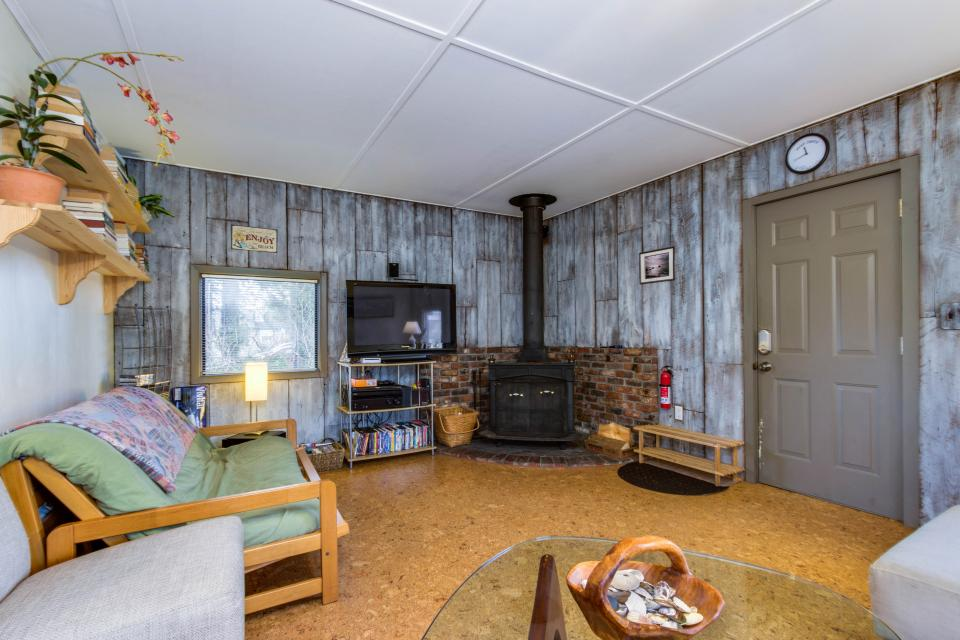 Sommers' Cabin - Gleneden Beach Vacation Rental - Photo 3