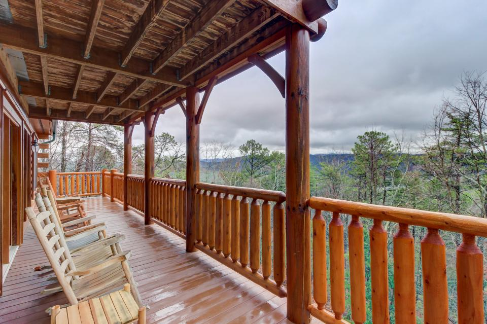Million Dollar View  - Sevierville Vacation Rental - Photo 25