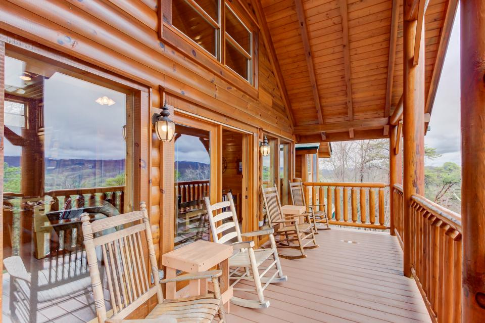 Million Dollar View  - Sevierville Vacation Rental - Photo 22