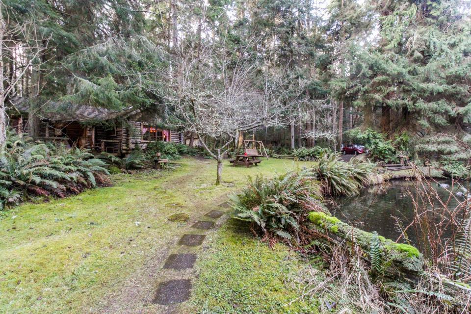Log Cabin - Greenbank Vacation Rental - Photo 37