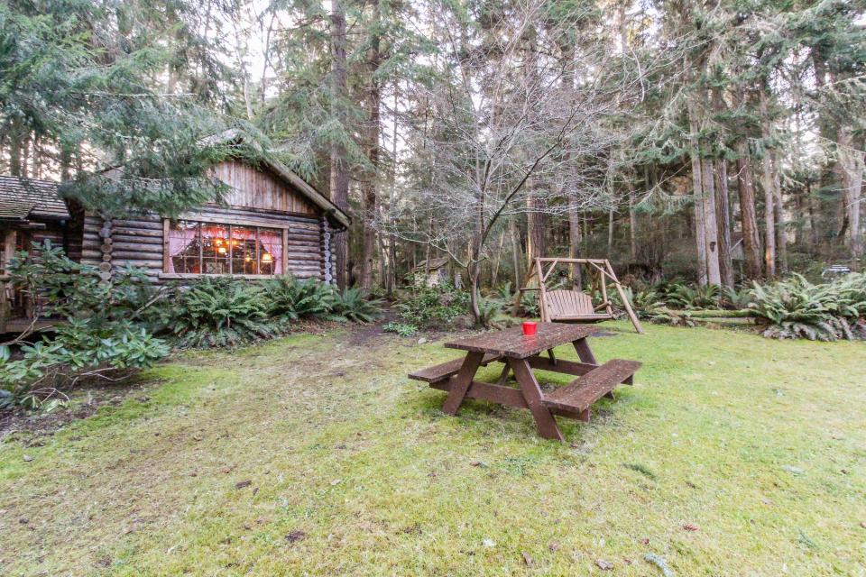 Log Cabin - Greenbank Vacation Rental - Photo 36