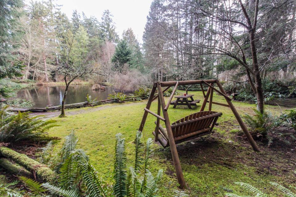 Log Cabin - Greenbank Vacation Rental - Photo 28