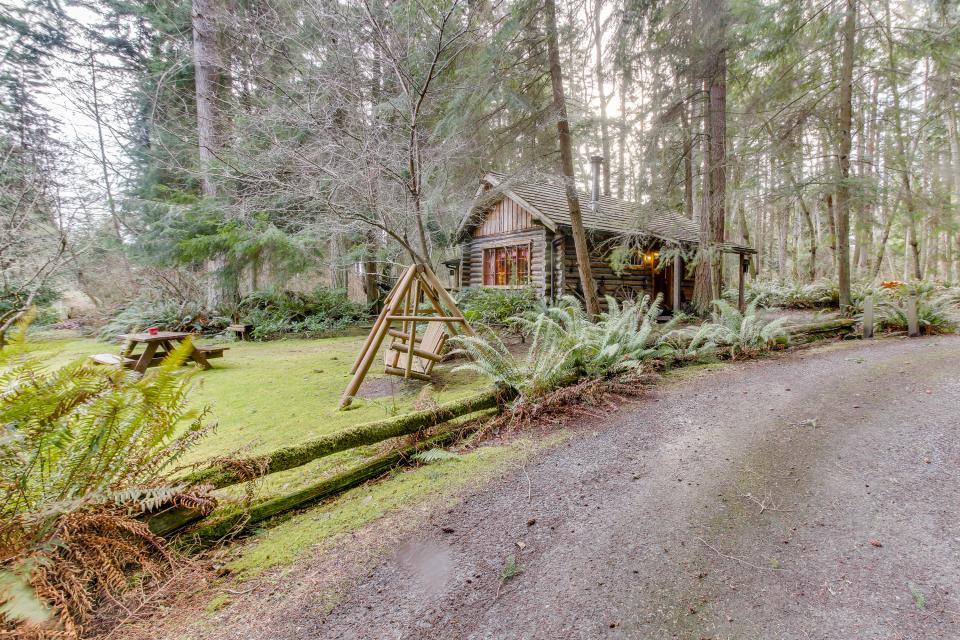 Log Cabin - Greenbank Vacation Rental - Photo 32