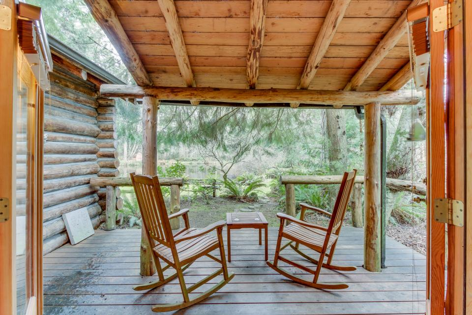 Log Cabin - Greenbank Vacation Rental - Photo 25