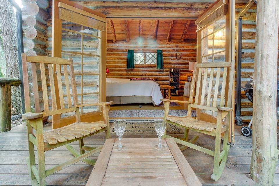 Log Cabin - Greenbank Vacation Rental - Photo 26