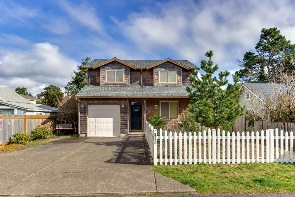 The Sand Dollar - Lincoln City Vacation Rental - Photo 1