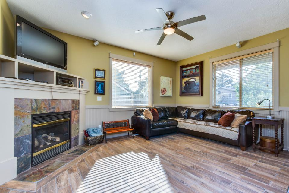 The Sand Dollar - Lincoln City Vacation Rental - Photo 4
