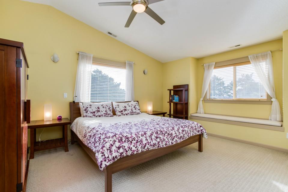 The Sand Dollar - Lincoln City Vacation Rental - Photo 11