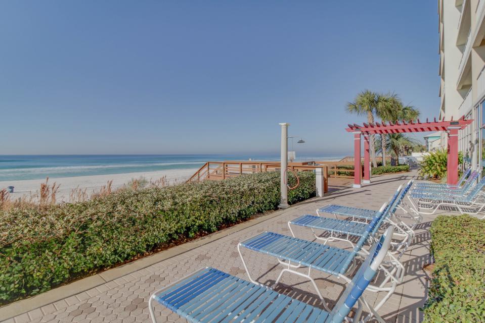 Majestic Beach Resort Tower 1 unit 714 - Panama City Beach Vacation Rental - Photo 2