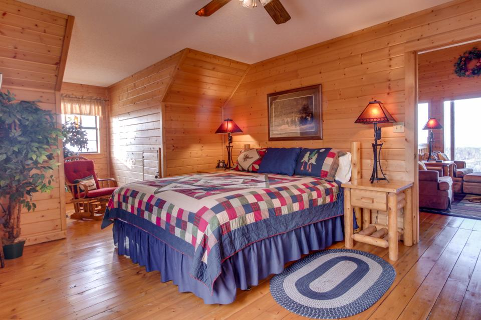 Fox Hollow Cabin - Sevierville Vacation Rental - Photo 17