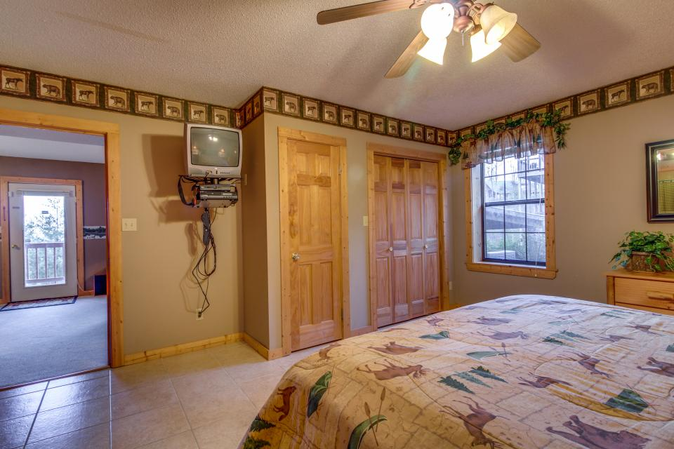 Fox Hollow Cabin - Sevierville Vacation Rental - Photo 22
