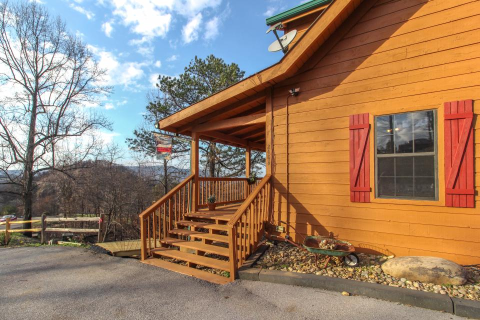 Fox Hollow Cabin - Sevierville Vacation Rental - Photo 25