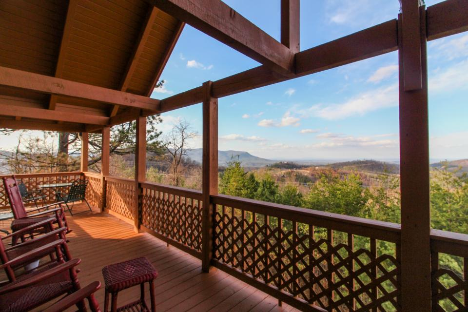 Fox Hollow Cabin - Sevierville Vacation Rental - Photo 26