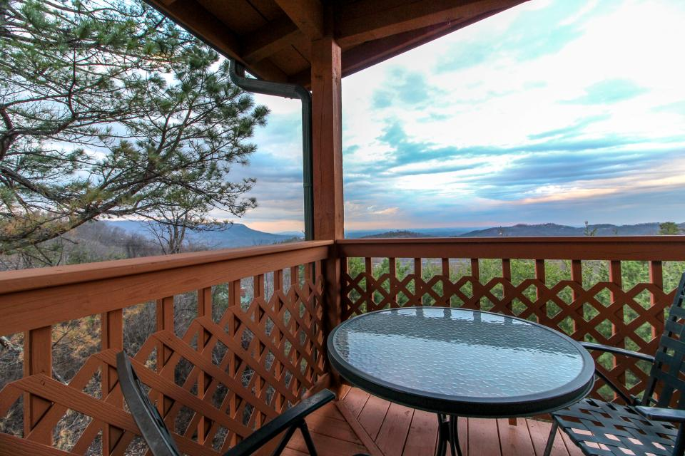 Fox Hollow Cabin - Sevierville Vacation Rental - Photo 27