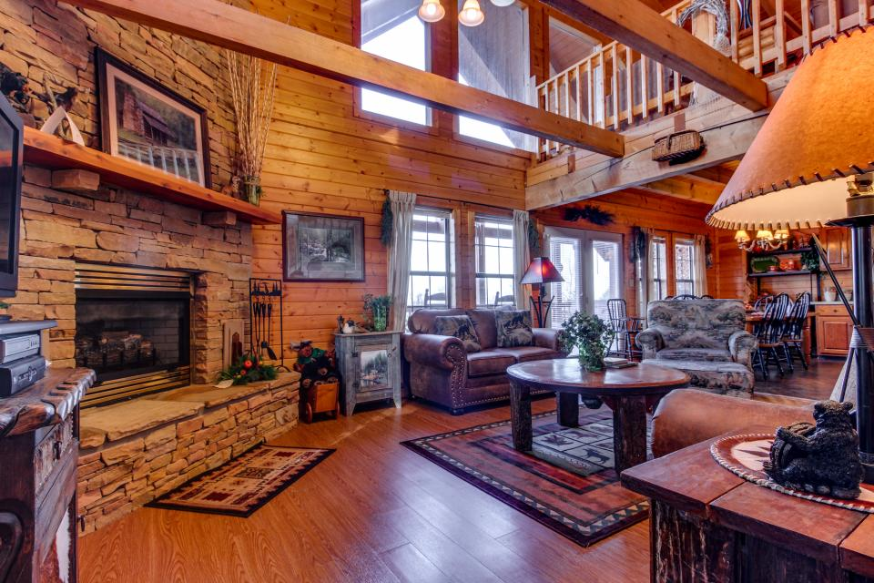 Fox Hollow Cabin - Sevierville Vacation Rental - Photo 30