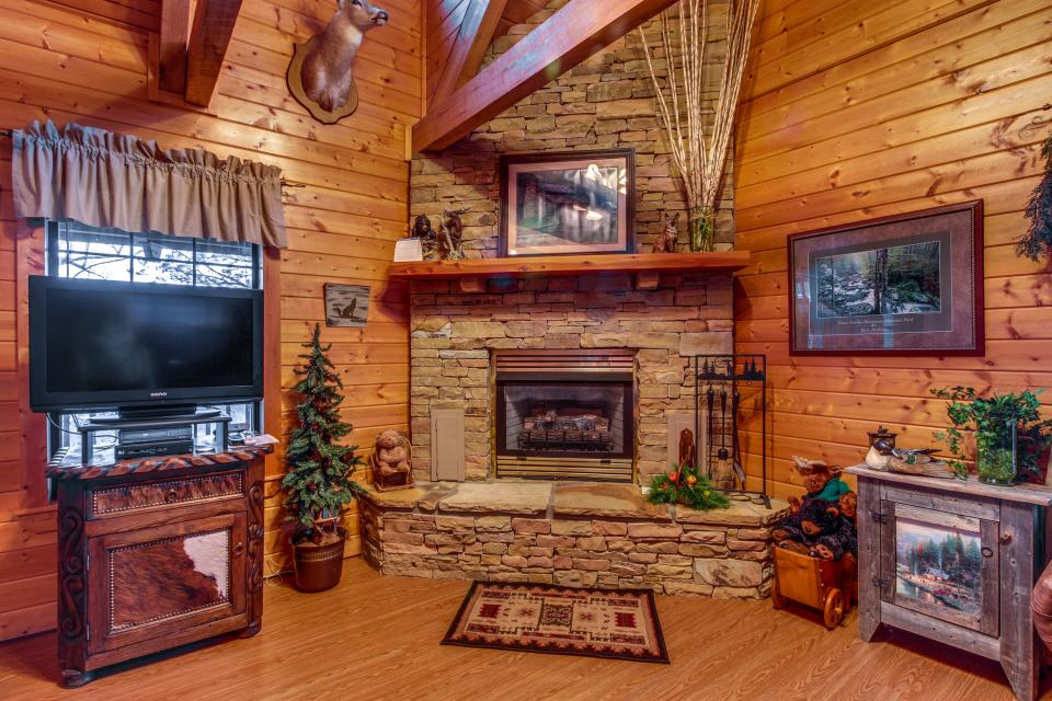 Fox Hollow Cabin - Sevierville Vacation Rental - Photo 31