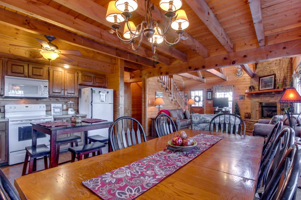 Fox Hollow Cabin - Sevierville Vacation Rental - Photo 33