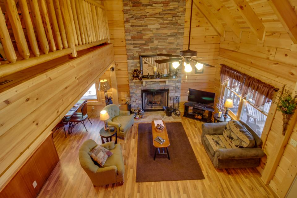 Big Daddy's Hideaway - Sevierville Vacation Rental - Photo 1