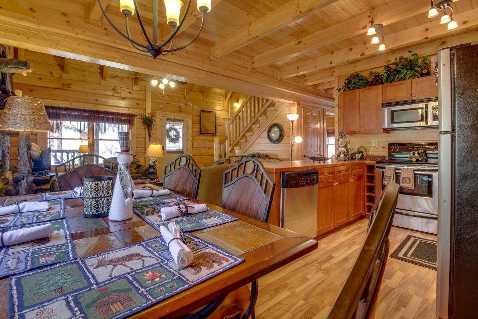 Big Daddy's Hideaway - Sevierville Vacation Rental - Photo 2