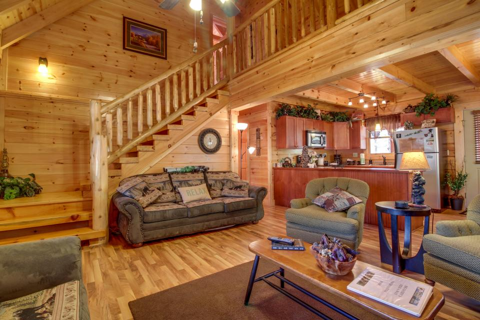 Big Daddy's Hideaway - Sevierville Vacation Rental - Photo 3