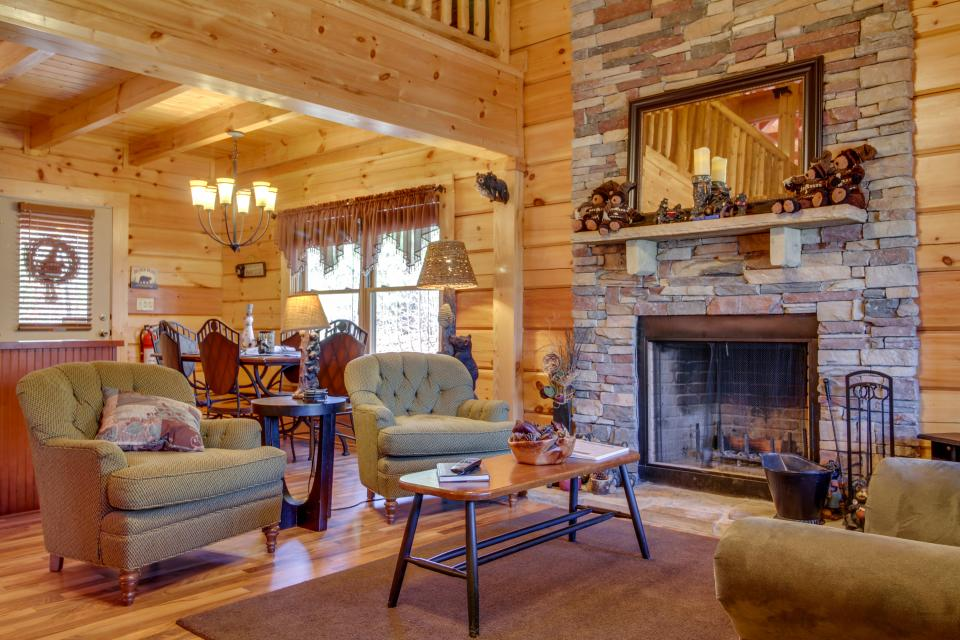 Big Daddy's Hideaway - Sevierville Vacation Rental - Photo 7