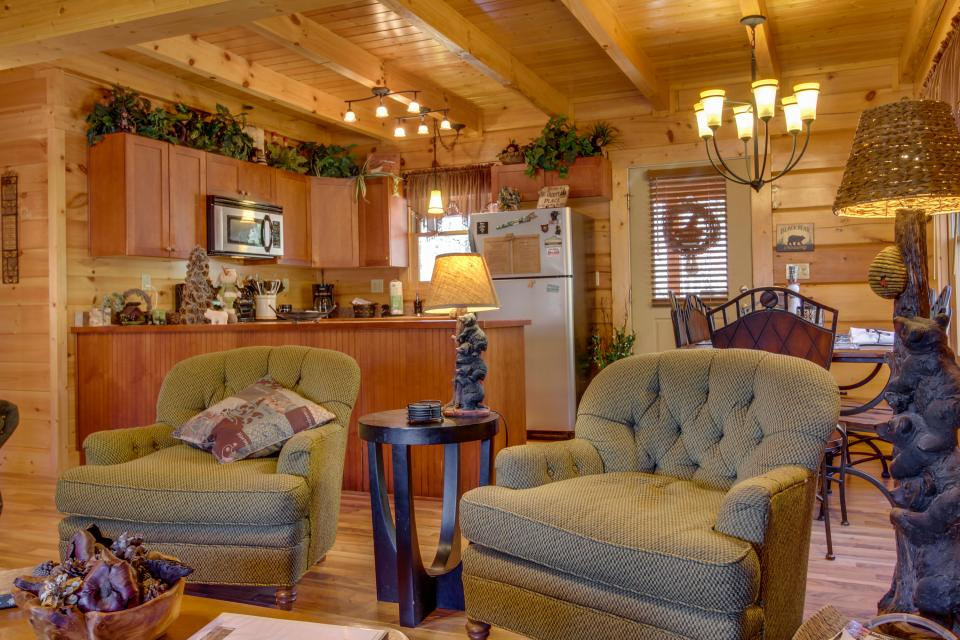 Big Daddy's Hideaway - Sevierville Vacation Rental - Photo 8