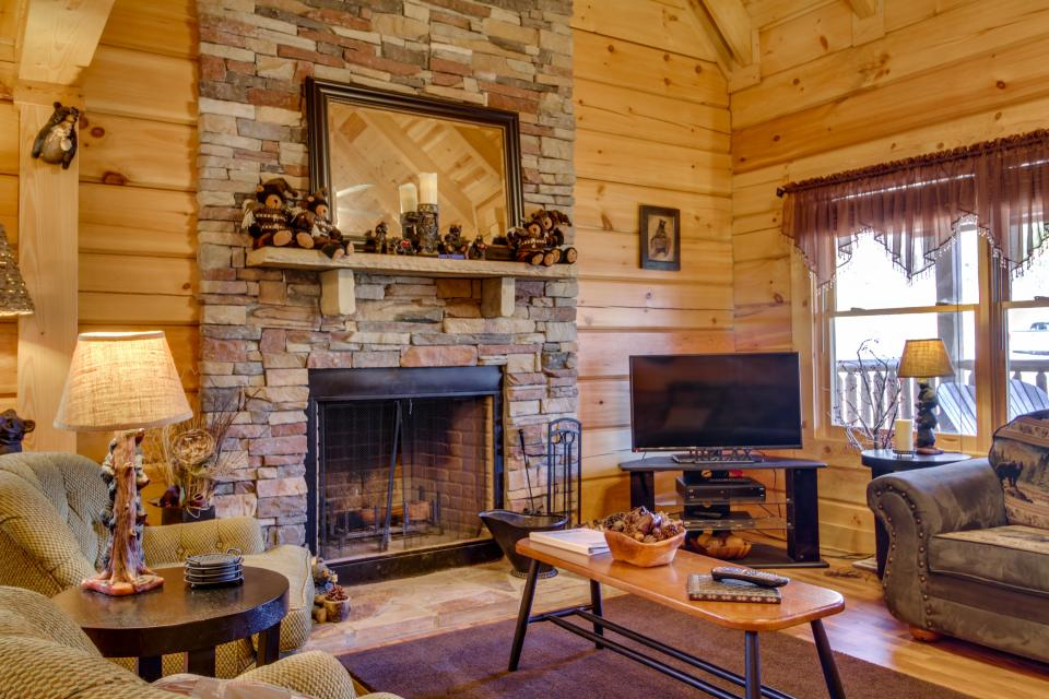 Big Daddy's Hideaway - Sevierville Vacation Rental - Photo 9