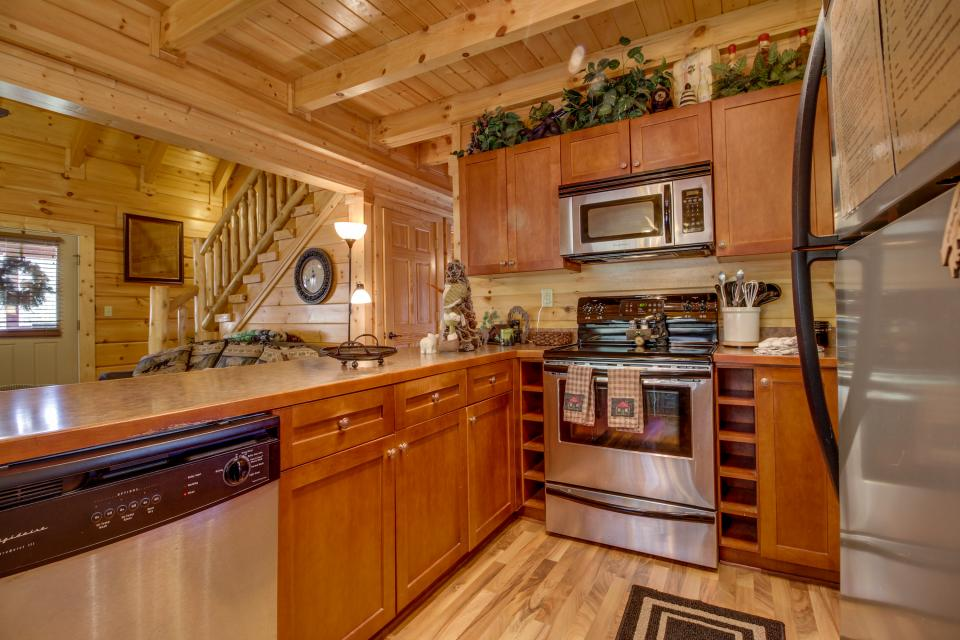 Big Daddy's Hideaway - Sevierville Vacation Rental - Photo 11