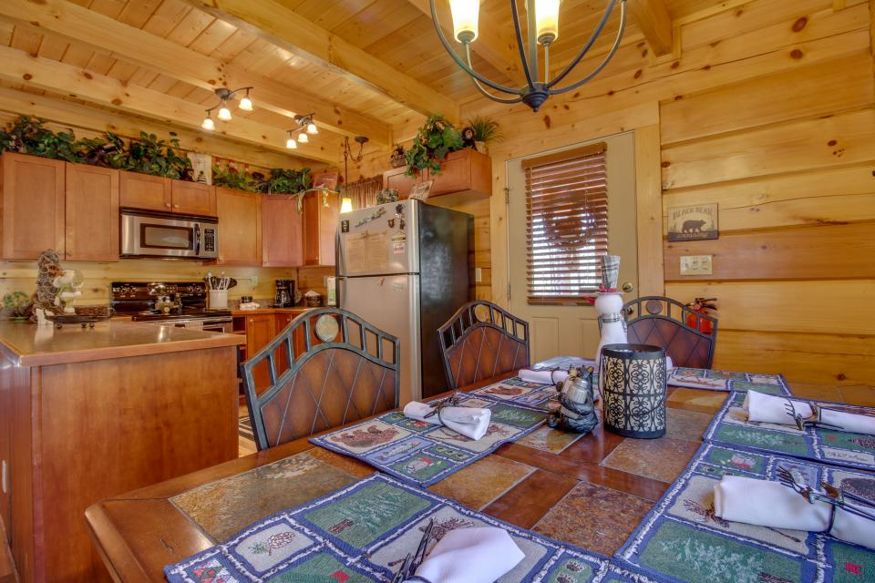 Big Daddy's Hideaway - Sevierville Vacation Rental - Photo 12