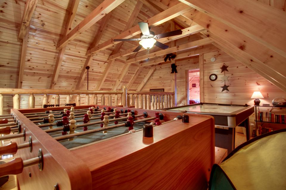 Big Daddy's Hideaway - Sevierville Vacation Rental - Photo 18