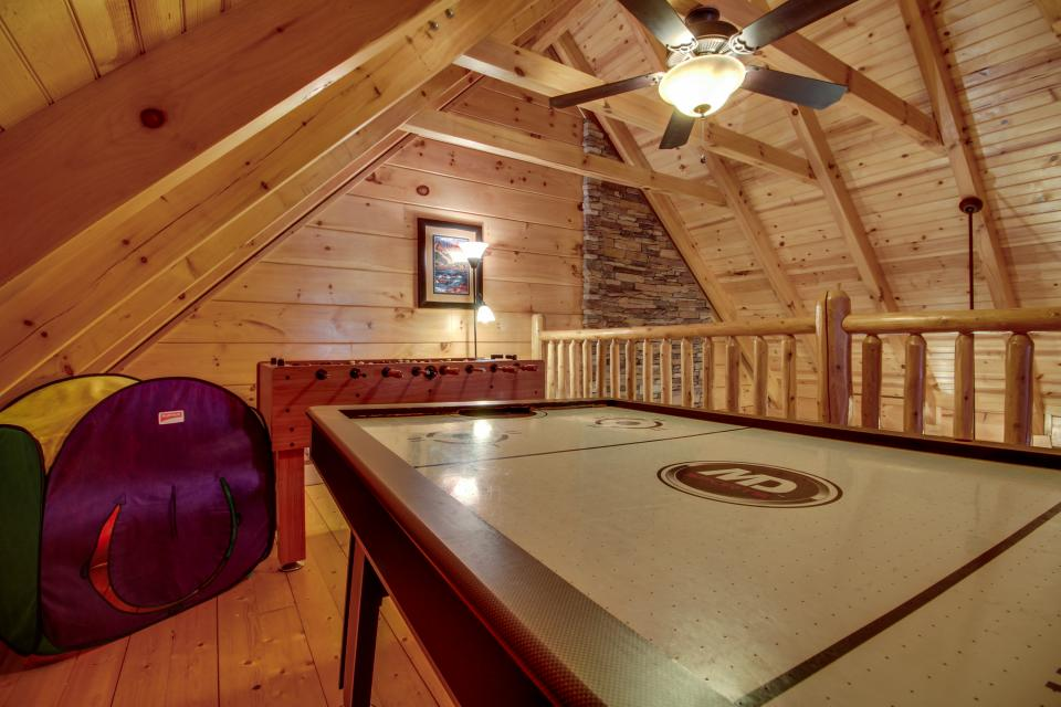 Big Daddy's Hideaway - Sevierville Vacation Rental - Photo 19