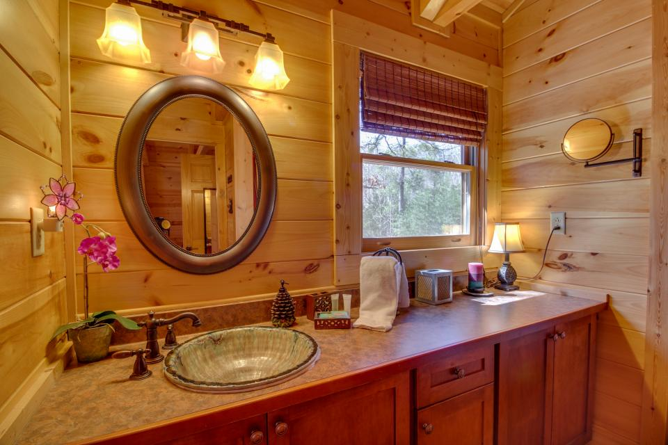 Big Daddy's Hideaway - Sevierville Vacation Rental - Photo 20