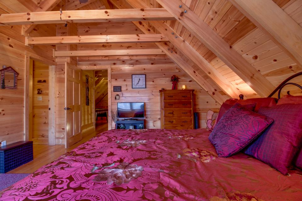 Big Daddy's Hideaway - Sevierville Vacation Rental - Photo 22