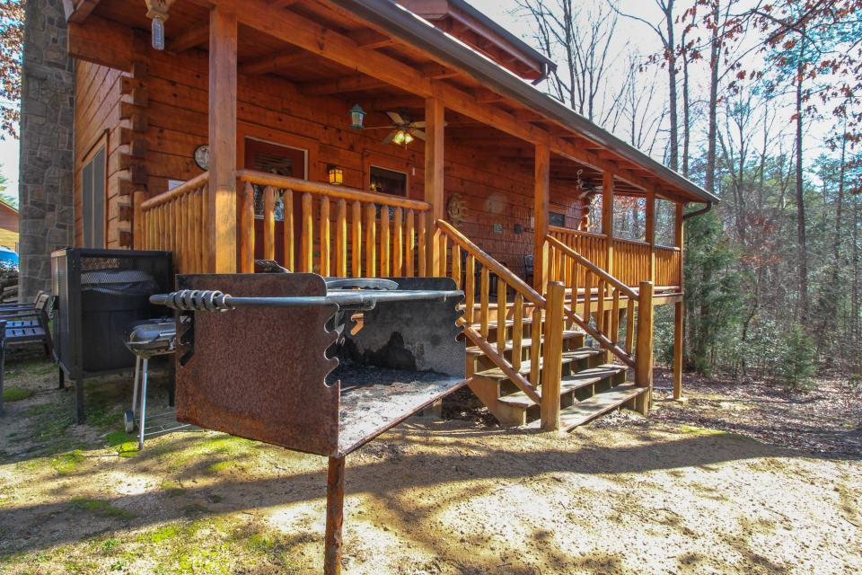 Big Daddy's Hideaway - Sevierville Vacation Rental - Photo 27