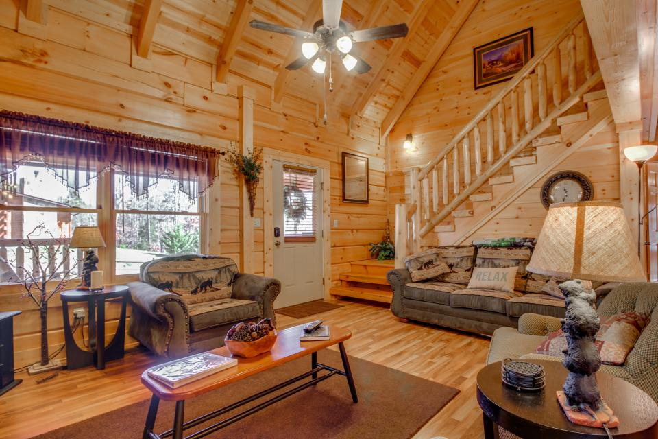 Big Daddy's Hideaway - Sevierville Vacation Rental - Photo 32