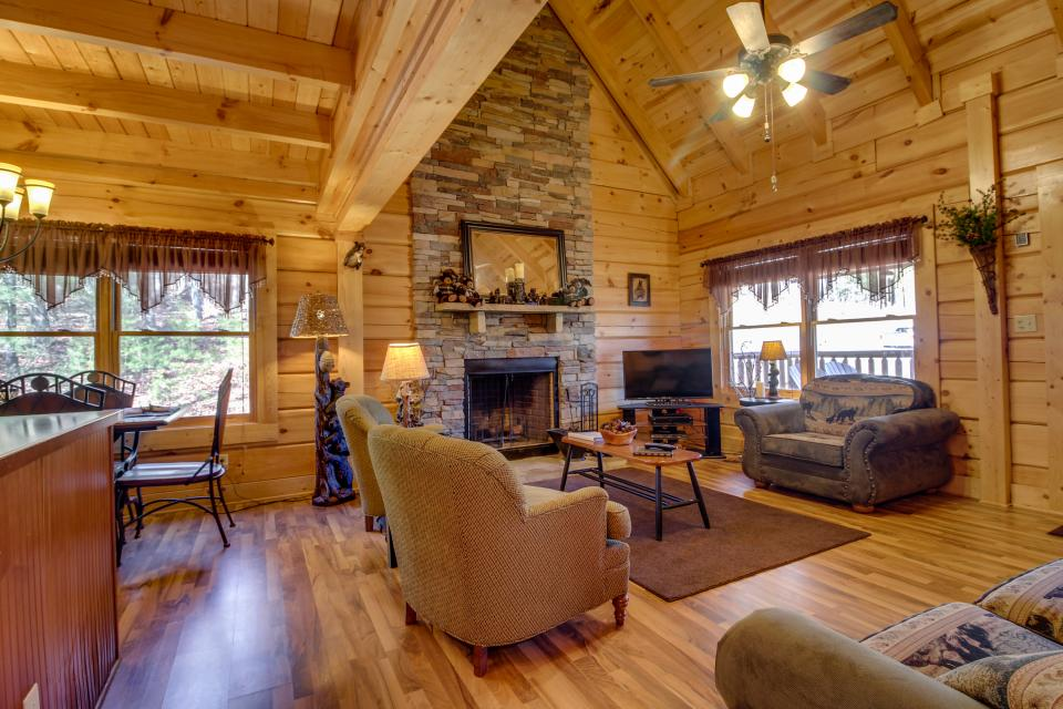 Big Daddy's Hideaway - Sevierville Vacation Rental - Photo 34