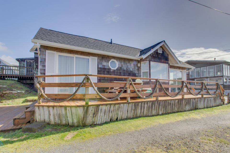 Second Tide - Oceanview Cottage - Rockaway Beach Vacation Rental - Photo 1