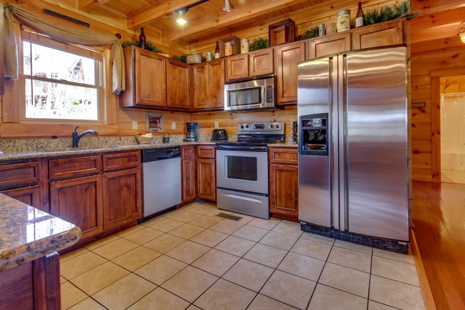 Bearadise View  - Sevierville Vacation Rental - Photo 8