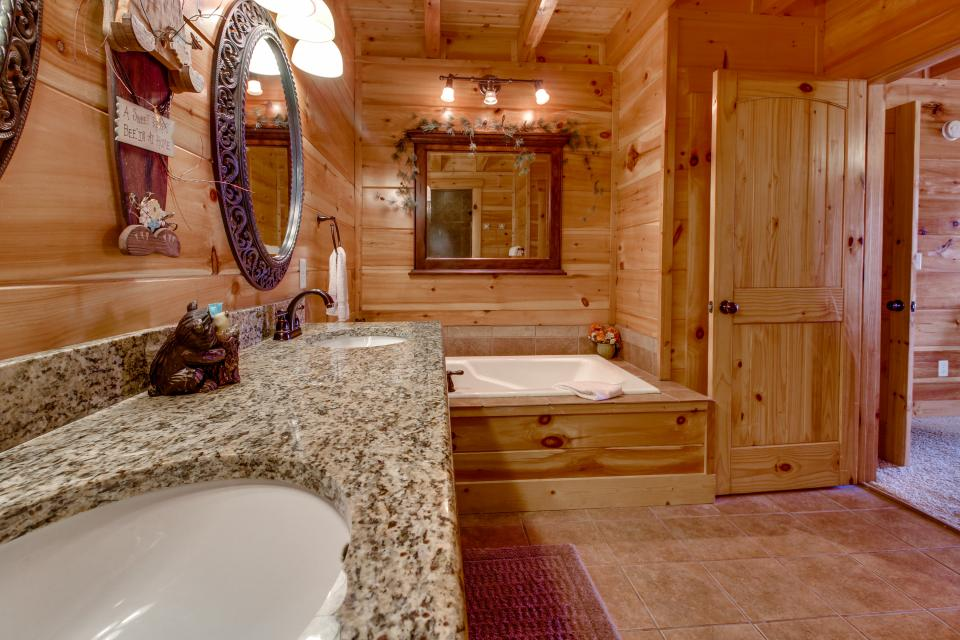 Bearadise View  - Sevierville Vacation Rental - Photo 41