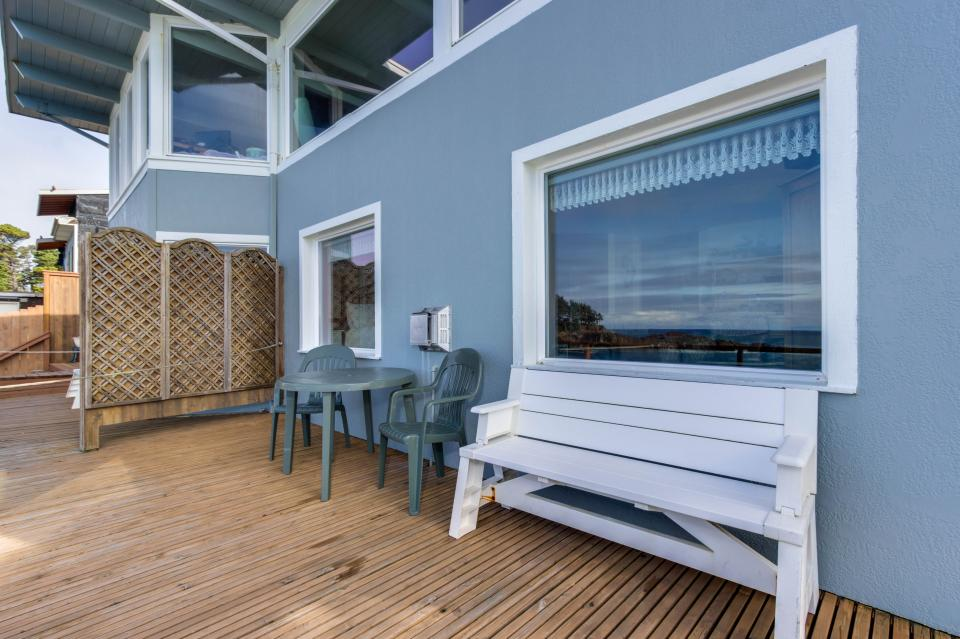 Ocean Garden Suite - Depoe Bay Vacation Rental - Photo 28