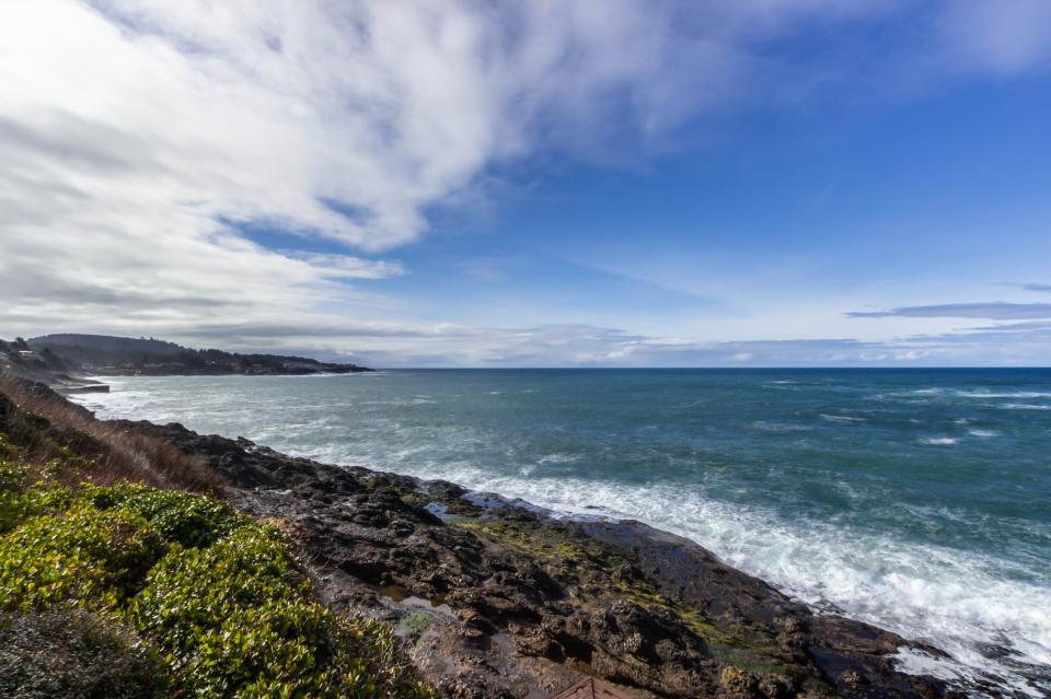 Ocean Garden Suite - Depoe Bay Vacation Rental - Photo 16