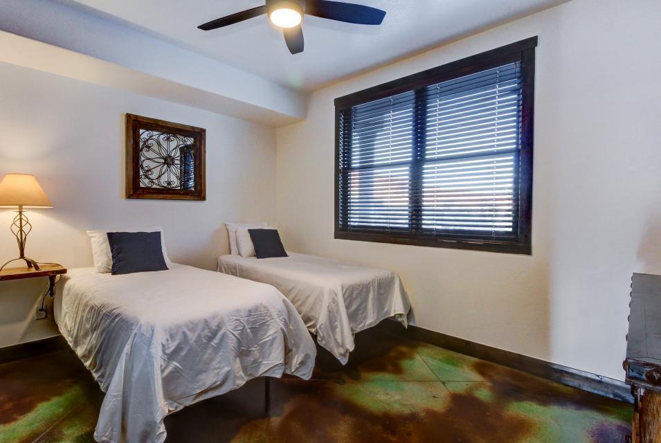 La Dolce Vita Villa's - Sombra de Verano - Moab Vacation Rental - Photo 17