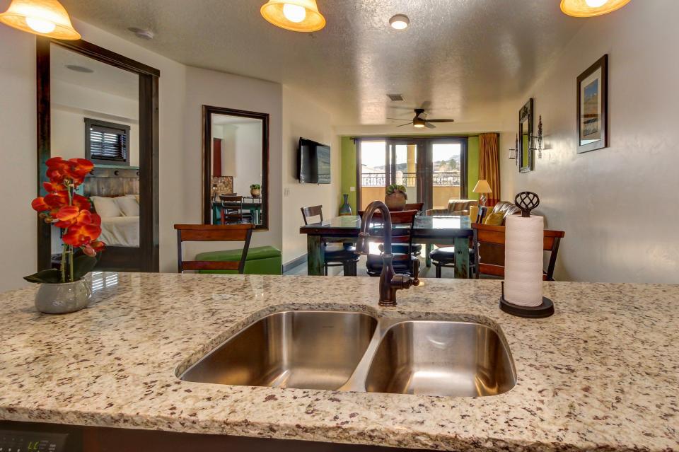 La Dolce Vita Villa's - Sombra de Verano - Moab Vacation Rental - Photo 15